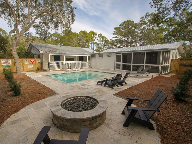 The Hideaway, Private Heated Pool, Game Room, Pet Friendly, Available in August, holiday rental in Seagrove Beach