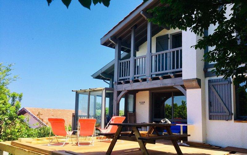 VILLA HENDAYE VUE IMPRENABLE OCEAN ET PORT 2 km océan, holiday rental in Biriatou