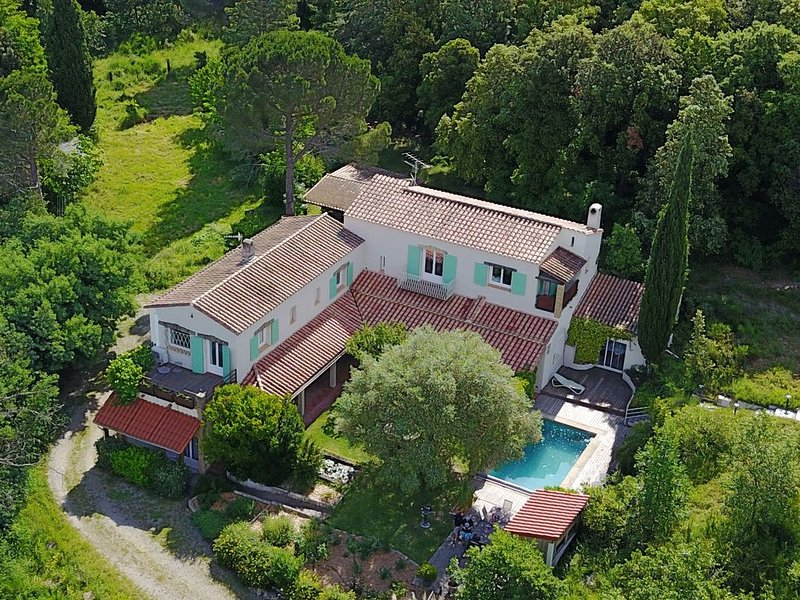 Villa Bonheur Vallespir Une destination, un style de vie., location de vacances à Corsavy