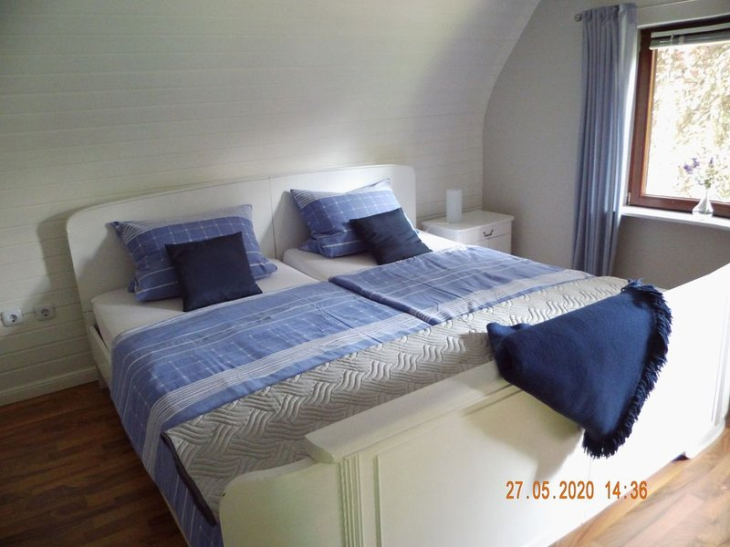 Reetdachhaus in Nordfriesland bei Husum / Nordsee, holiday rental in Hennstedt