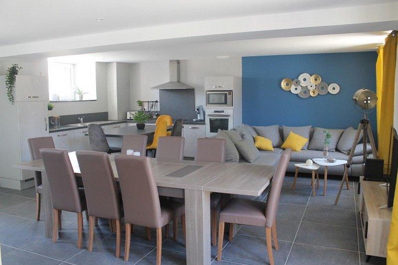 Gîte familial pour 14 personnes, casa vacanza a Saint-Sauveur-le-Vicomte