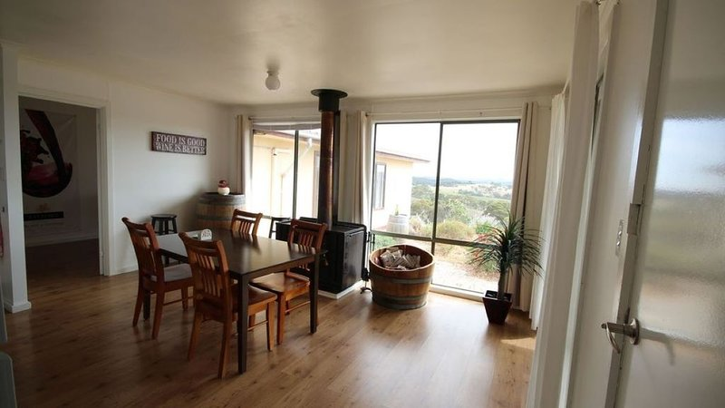 Clare View COTTAGE(pet friendly)sleep 4, 220 spring gully road, Clare Australia, location de vacances à Clare