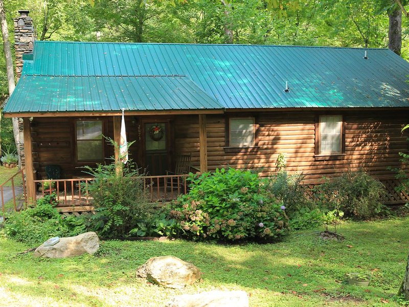 Relaxing vacation spot with breathtaking views of the Pacolet River!, holiday rental in Saluda