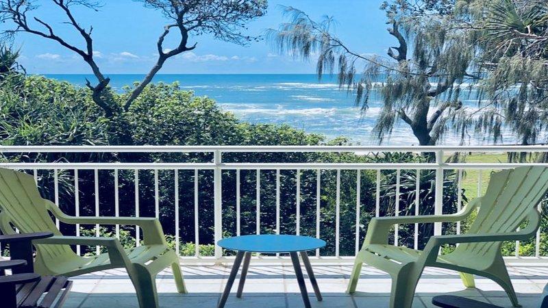 Absolute beachfront, great views & family friendly, casa vacanza a Wurtulla