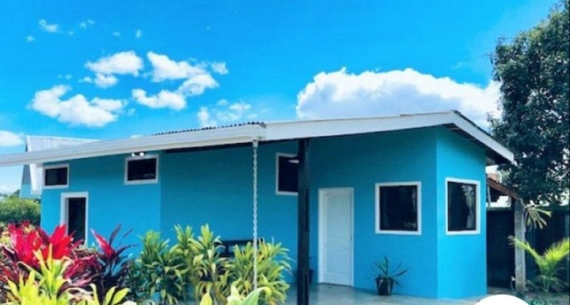 Brand new house with loft 3 beds (w/AC + WiFi), holiday rental in Quesada