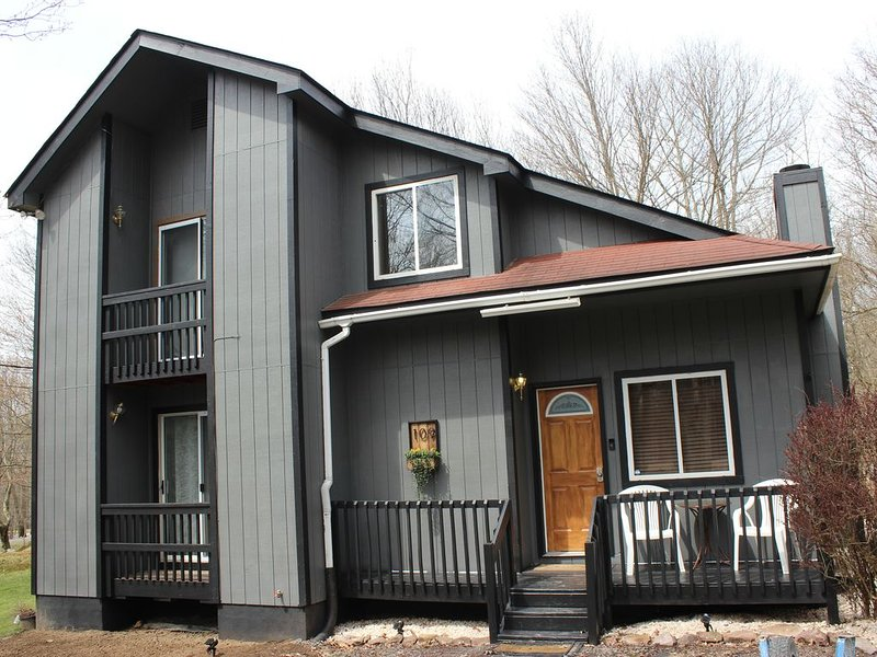 Cozy  lakehouse get away family-friendly with air condition, holiday rental in Blakeslee