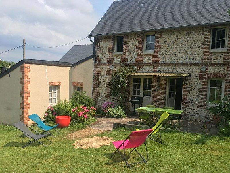 Maison de charme de 85 m², jardin clos de 1100m2. Meublé de tourisme 3*, Ferienwohnung in Gonneville-sur-Honfleur