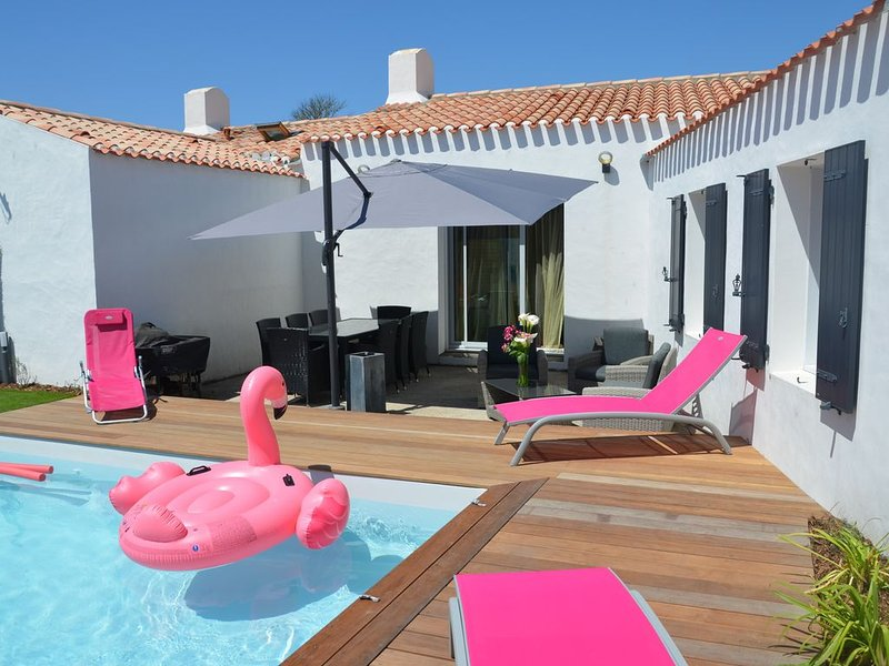 Maison islaise, calme et confort, avec piscine privative, holiday rental in Ile d'Yeu