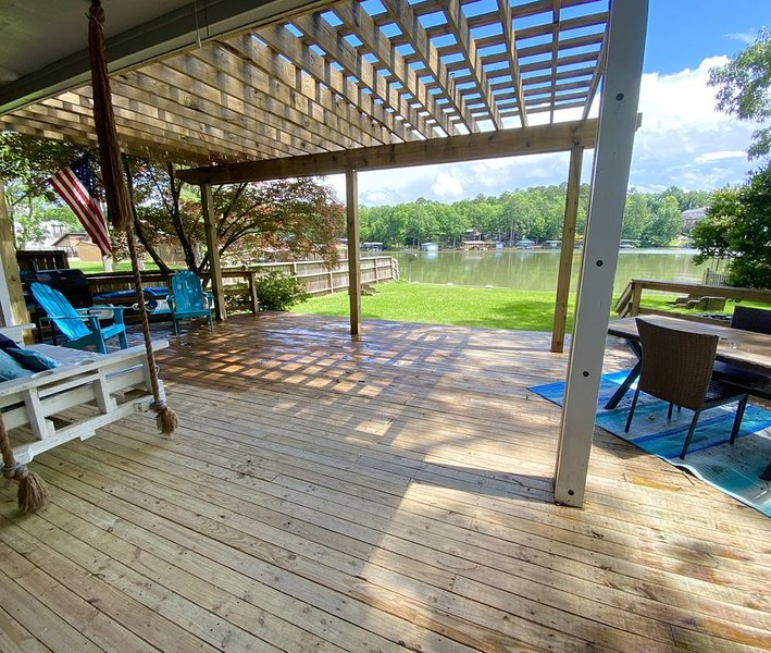 The lake is your front yard!, holiday rental in Pearcy