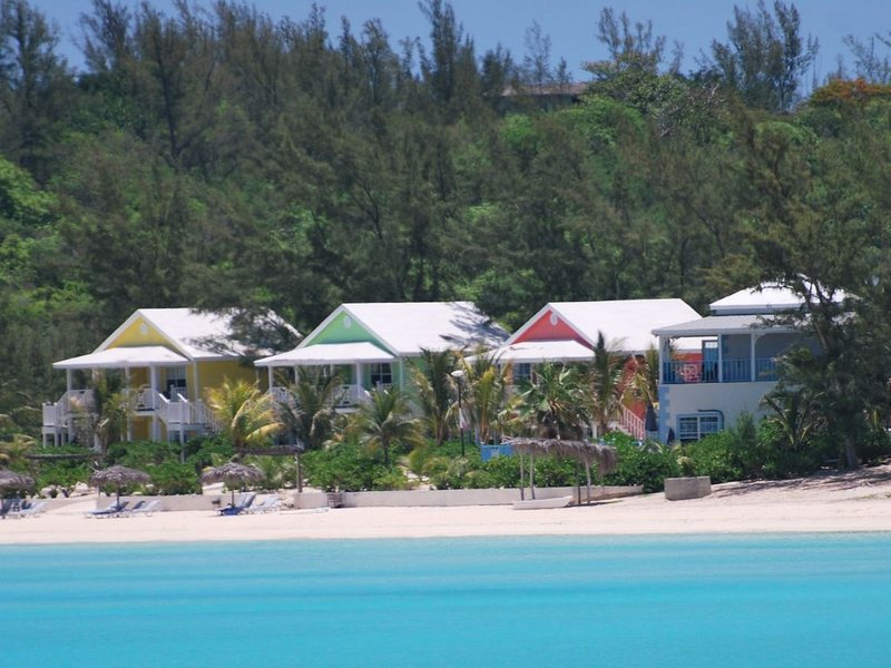 Boutique Resort on Spectacular Beach Available for Private Rental, location de vacances à Eleuthera