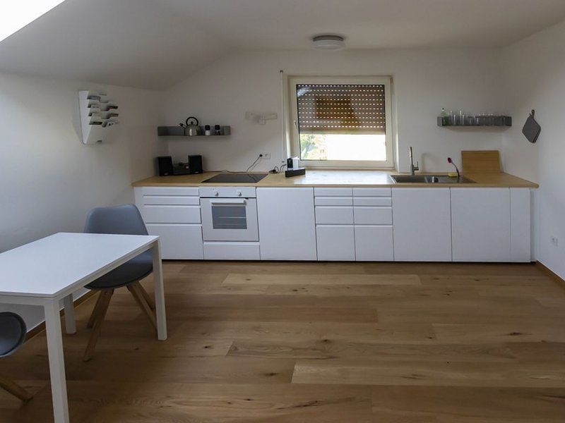 Charmante 40m² Studio Apartment mit Parkplatz, alquiler vacacional en Gundersdorf