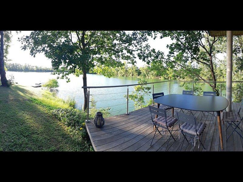 Nouveau : Villa contemporaine avec vue sur lac privé à Toulouse, casa vacanza a Paulhac