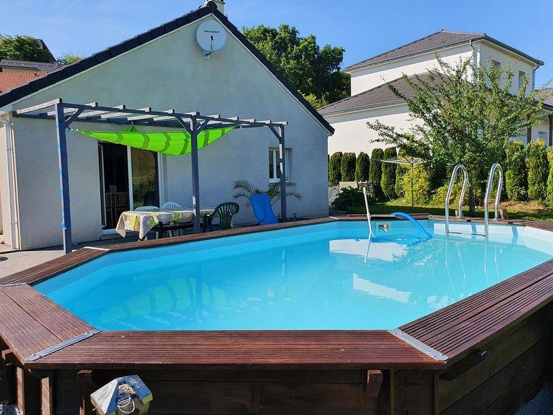 2 chambres privées ds maison  avec piscine Montfaucon 10 minutes Besançon, holiday rental in Trepot