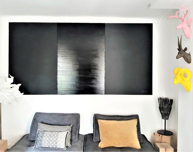 L'Îlot Secret - Nîmes centre - Appartement climatisé avec Terrasse, holiday rental in Nimes
