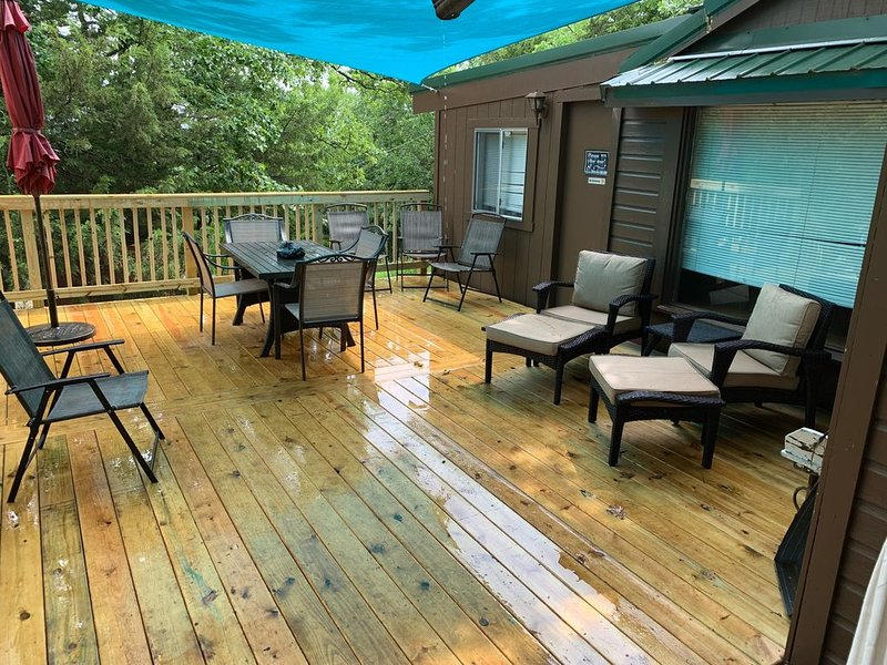 Peaceful Oak Cabin LLC, casa vacanza a Muskogee