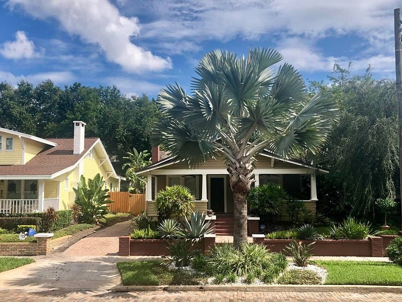 Updated Historic bungalow in Lake Eola Heights, vacation rental in Orlando