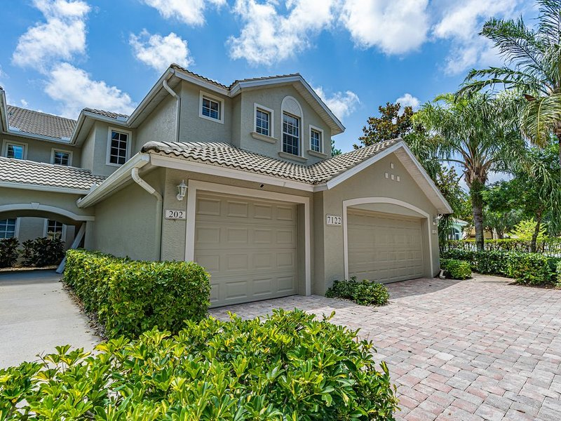 North Naples Beautiful Condo  in a Quite Gated Community with a Private Garage, vacation rental in Pelican Bay