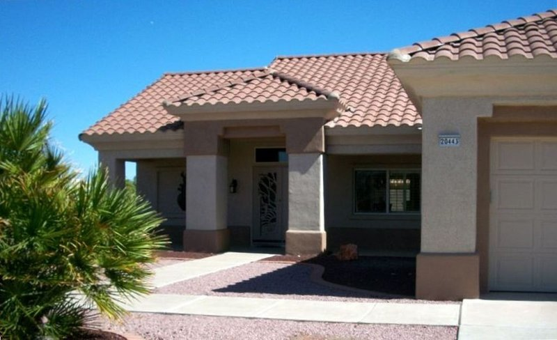 Totally Remodeled Sun City West Vacation Home, holiday rental in Sun City West