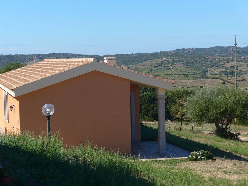 Appartamento in agriturismo con veranda vista mare - Sardegna, holiday rental in Aglientu