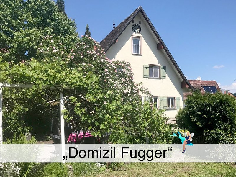 Historisches Haus der Fugger Dynastie, sehr ruhig und mit Blick aufs Wasser, holiday rental in Wasserburg