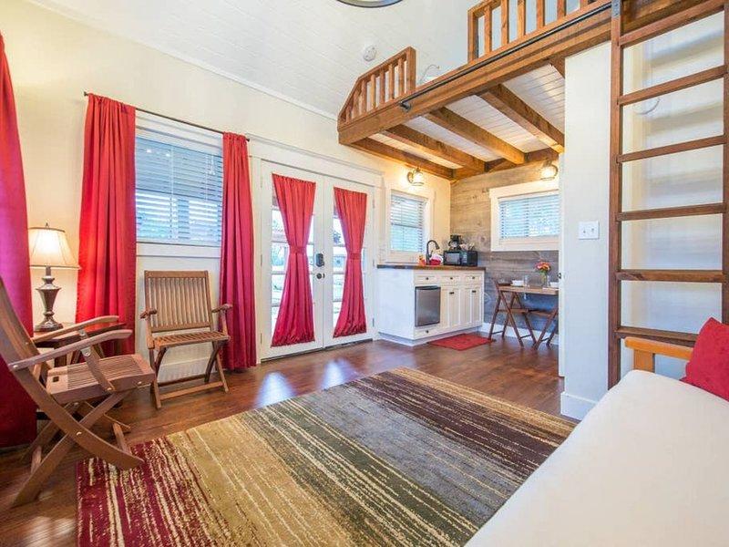 Country Tiny House - 10min to Silos at Magnolia (#6), alquiler vacacional en Waco