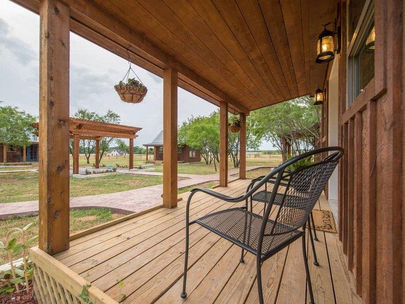 Country Tiny House - 10min to Silos at Magnolia (#2), alquiler vacacional en Waco