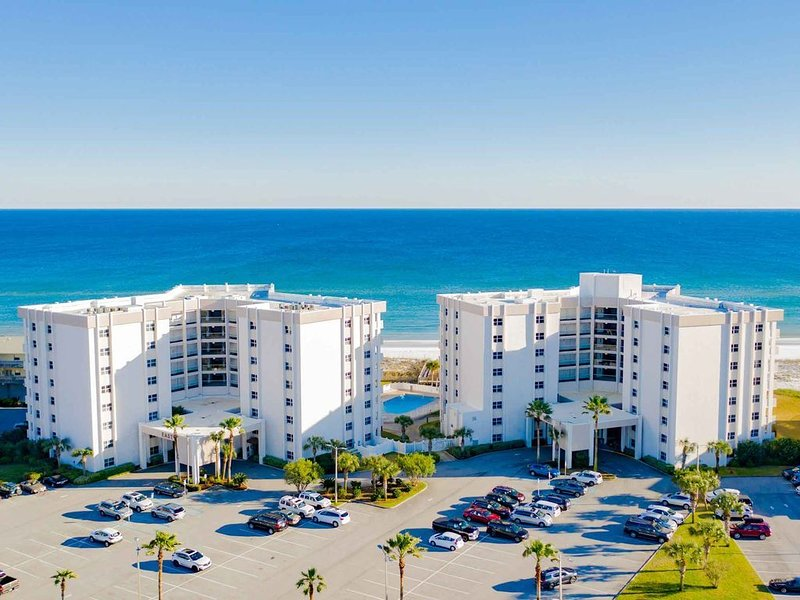 See our reviews!! Beach front!! Family owned/managed!, vacation rental in Pensacola Beach