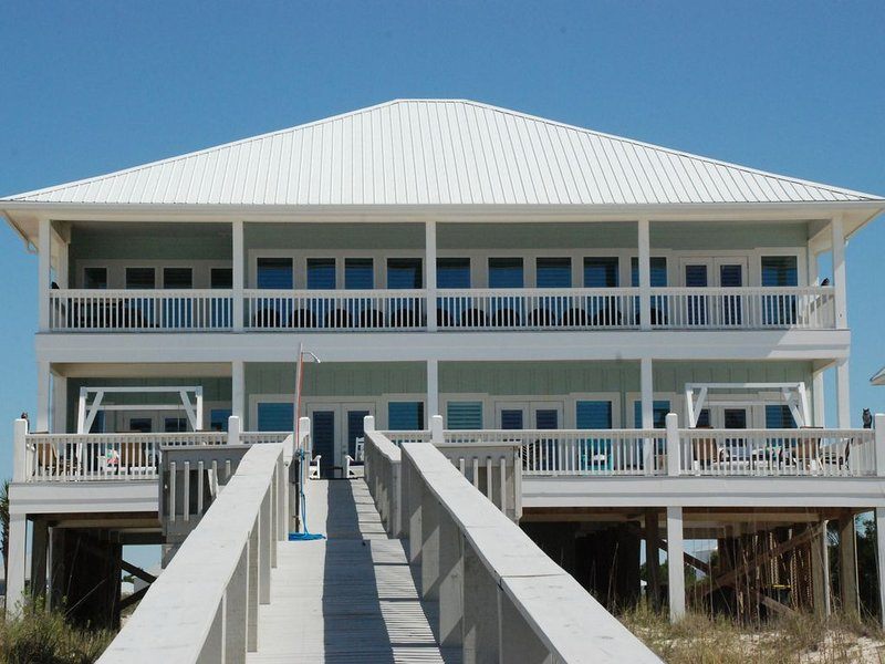 Luxury Beachfront Home with Indoor Elevator; Extra Large Deck; Sleeps up to 30!, holiday rental in Gulf Shores