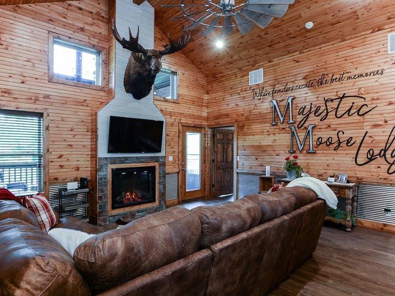 Majestic Moose Lodge - World Class Stone Bridge Village, location de vacances à Galena
