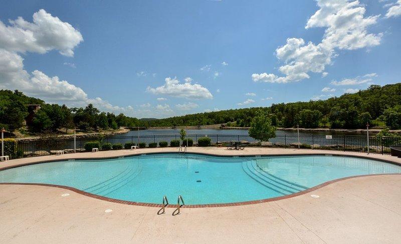 Brand New Pool at Lake - Steps Away