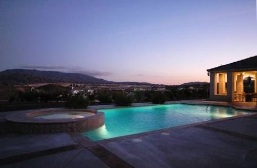 Luxury Upscale Wine Country Estate|5 Acres|Pool|10% Discount w/ 7 Night Stay*, Ferienwohnung in Temecula