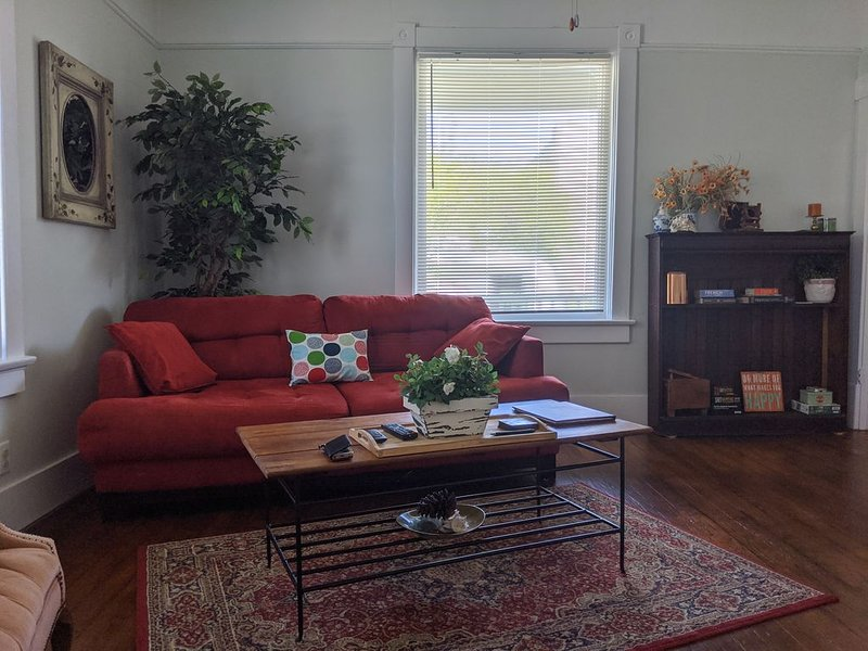 Charming house in walking distance to the beach (2), holiday rental in Cape Charles