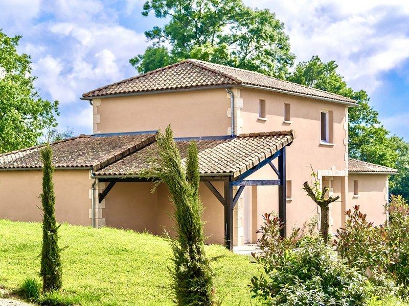 Villa Sables, Heerlijk huis bij golfbaan en  Futuroscope, vacation rental in Benassay