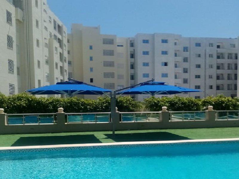 Superbe appart idéal pour couples à 700m d'une belle plage, location de vacances à Hammamet