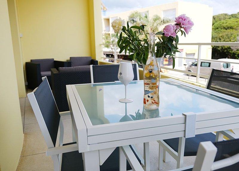 Superbe T2 plein centre Favière refait à neuf, alquiler de vacaciones en Bormes-Les-Mimosas