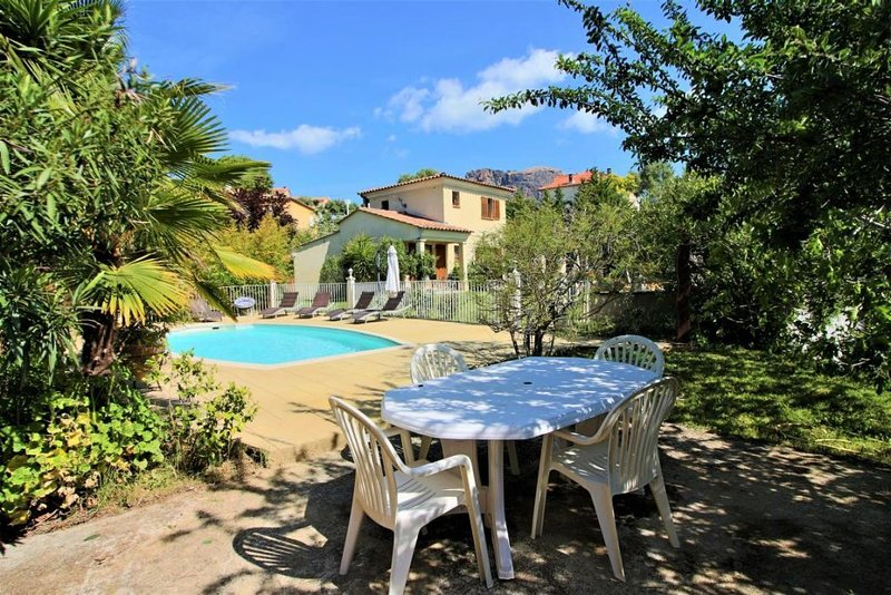 villa piscine, holiday rental in Sarrola-Carcopino
