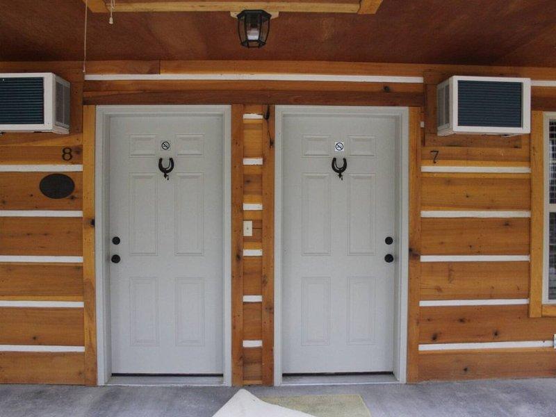 Lazy G Cabin #7 (Duplex), holiday rental in Arab