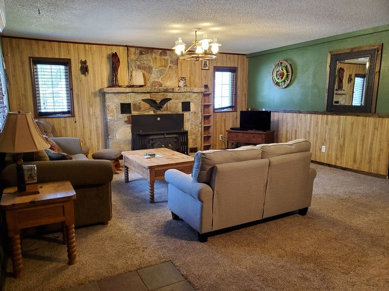 Ozark Mountain and Norfork Lake  vacation home cabin, large family, vacation rental in Henderson