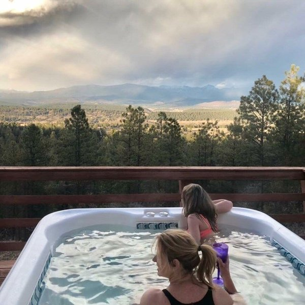 Giant Views of the San Juan's While Sitting in Your Hot Tub, sleeps 10,, holiday rental in Pagosa Springs