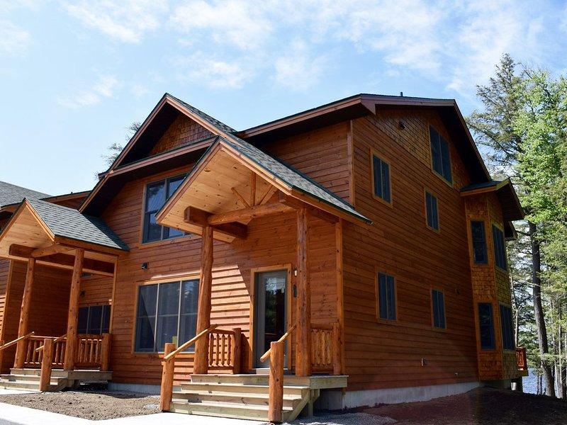 Luxury Townhome N1 - 4th Lake, alquiler de vacaciones en Eagle Bay