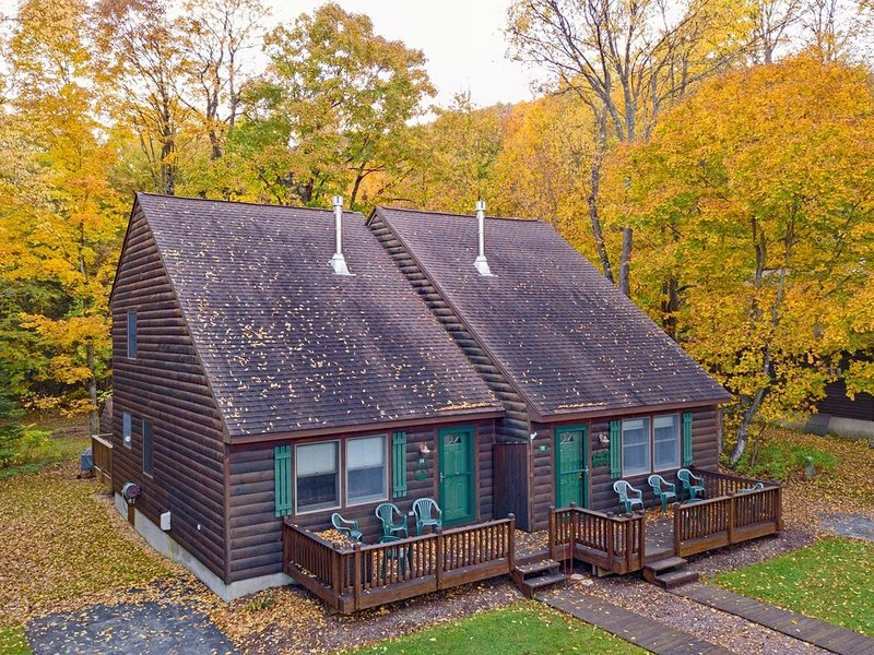Holiday Shores Estates - Knotty Pine - 114, holiday rental in Old Forge