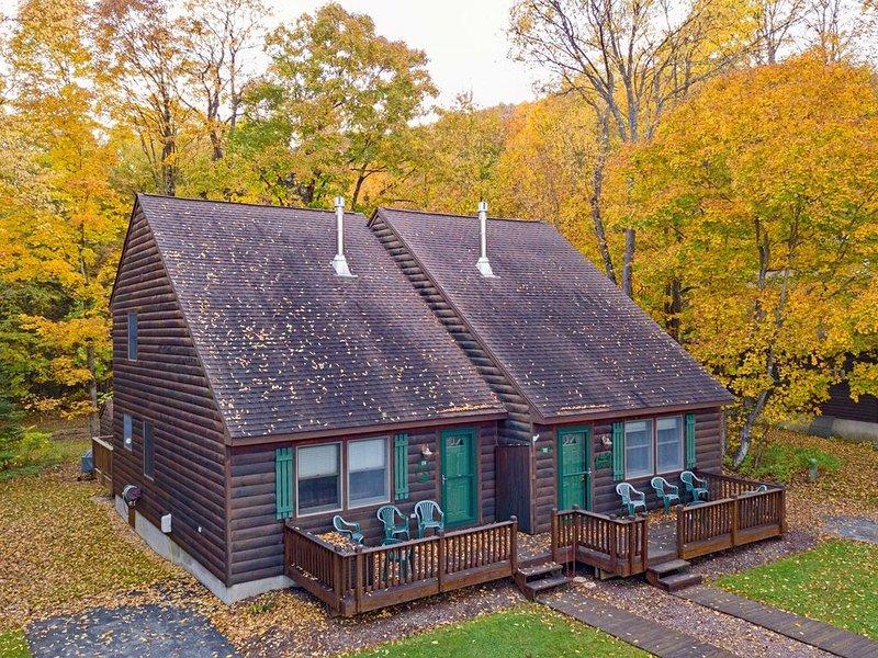 Holiday Shores Estates - Knotty Pine - 114 – semesterbostad i Thendara
