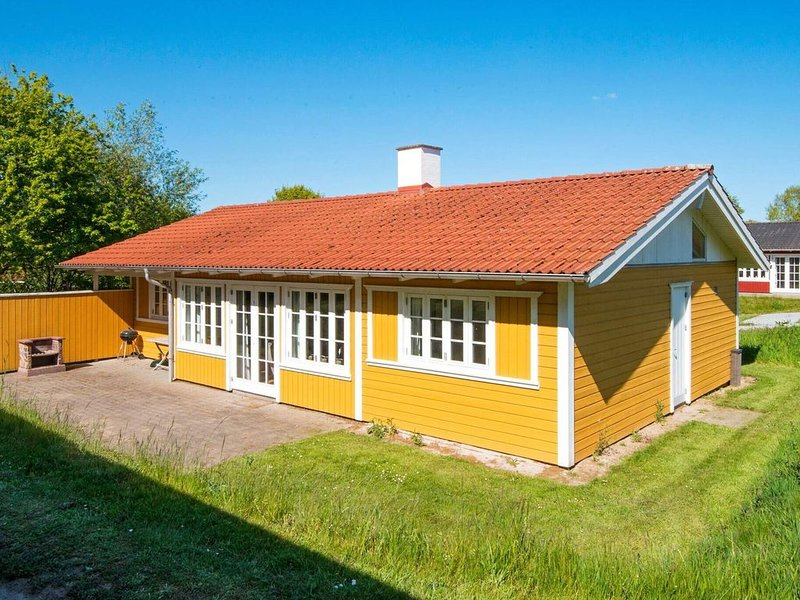 Stylish Holiday Home in Aabenraa with Sauna – semesterbostad i Varnaes