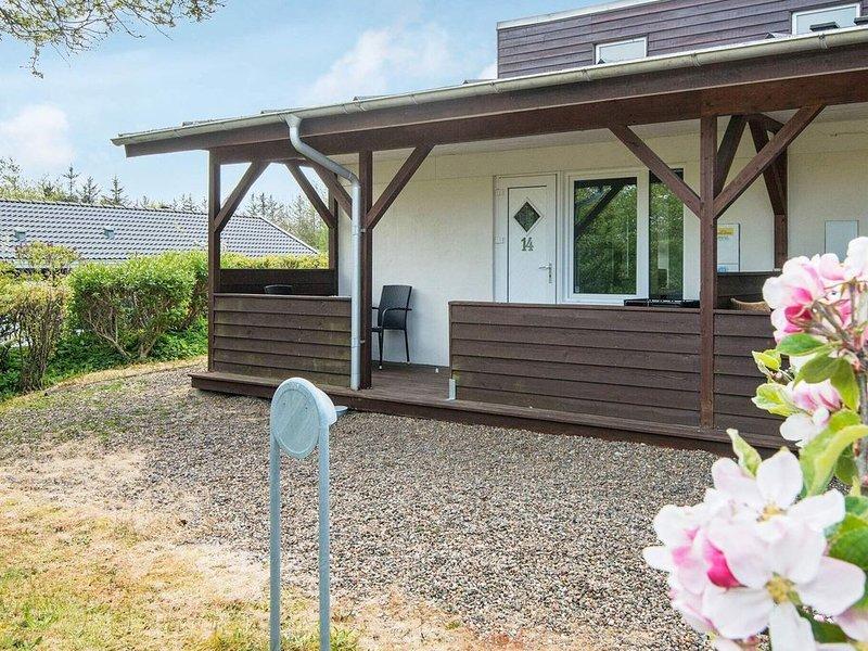Quaint Holiday Home in Henne Near Henne Golf Course, Ferienwohnung in Noerre Nebel