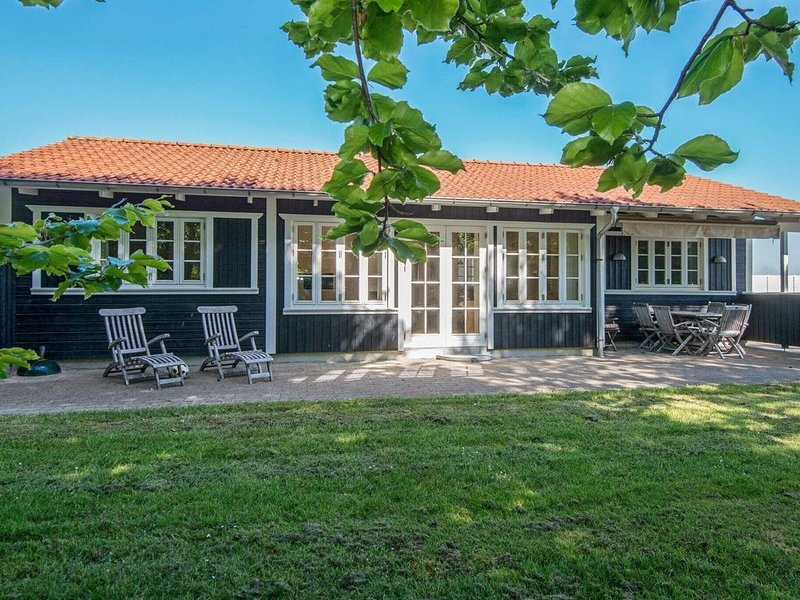 Modern Holiday Home in Aabenraa for 8 People – semesterbostad i Varnaes