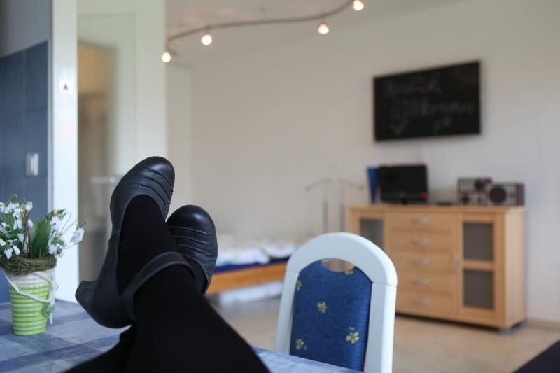Ferienwohnung Berlin für 1 - 6 Personen mit 2 Schlafzimmern - Ferienwohnung, holiday rental in Mahlow