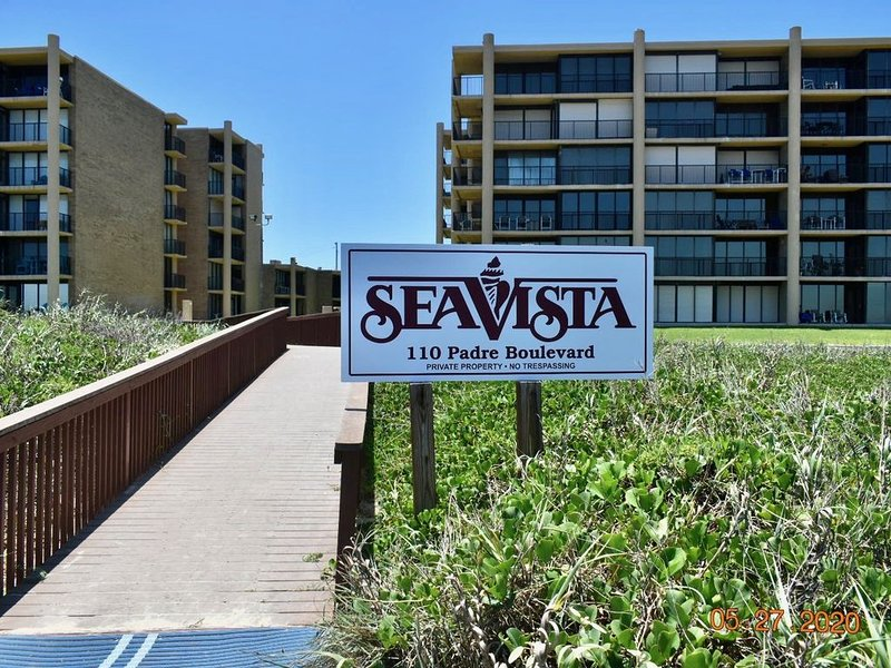 Beautiful SPI TX Condo w/ Spectacular Views permit # ***********, vacation rental in Port Isabel