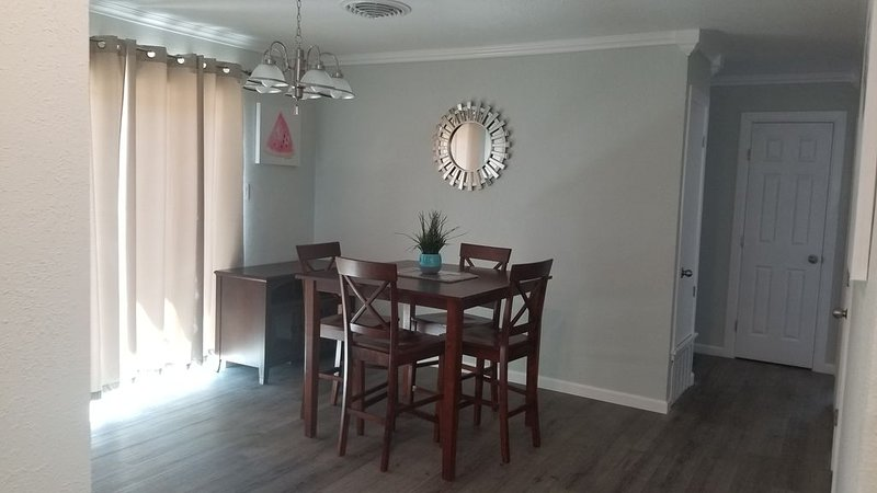 Spraberry drive guest house, holiday rental in Odessa