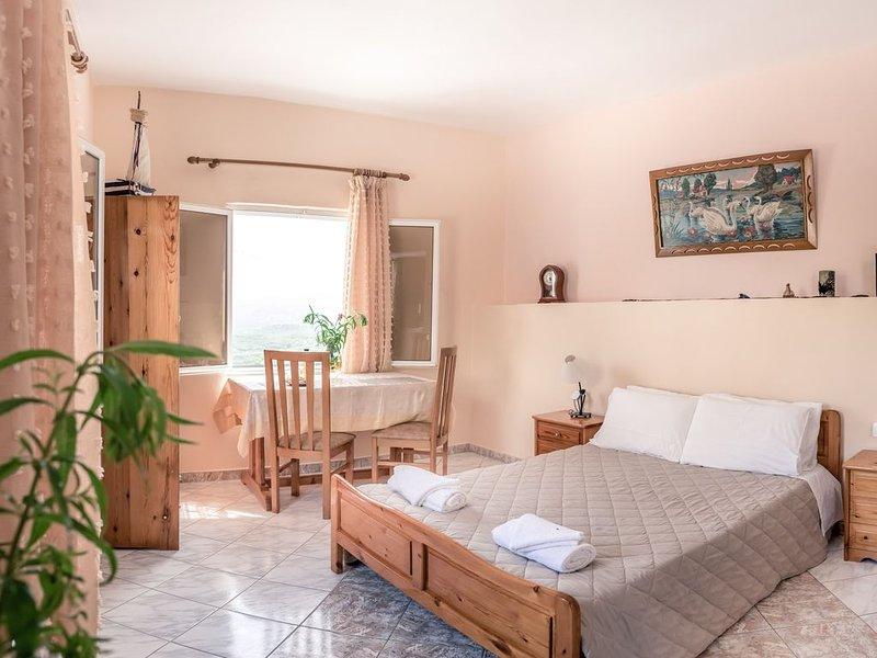 Jacob's Sunrise cottage, near balos and elafonisi, vacation rental in Kampos
