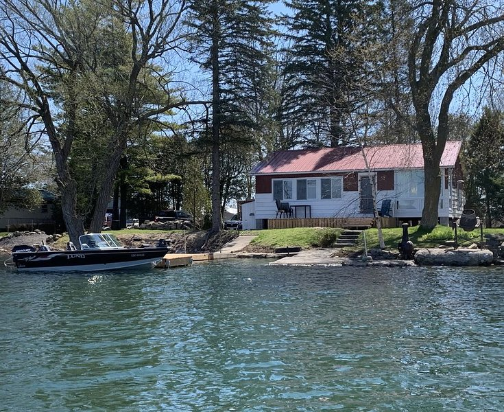 Rustic Cottage- North Channel, alquiler de vacaciones en Brockville